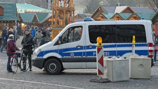 """Schönbrunn """"sichert"""" Adventareal mit Säulen (Bild: AP)"""