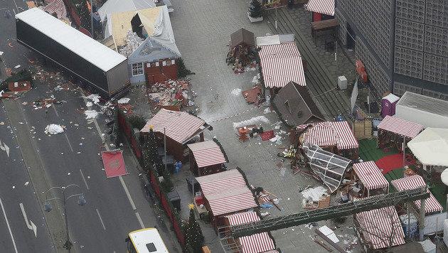 Der Anschlag auf den Weihnachtsmarkt in Berlin forderte zwölf Todesopfer und Dutzende Verletzte. (Bild: AP)