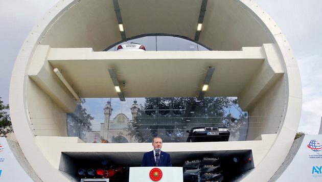 Eurasien-Tunnel unter Bosporus feierlich eröffnet (Bild: APA/AFP/TURKISH PRESIDENCY PRESS OFFICE/KAYHAN OZER)