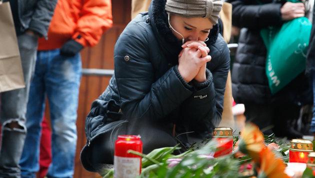 Trauer in Berlin-Charlottenburg - zwölf Menschen fanden durch den Terroranschlag den Tod. (Bild: Reinhard Holl)