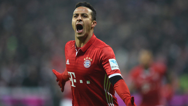 3:0! Bayern nehmen RB Leipzig auf die Hörner (Bild: AFP)
