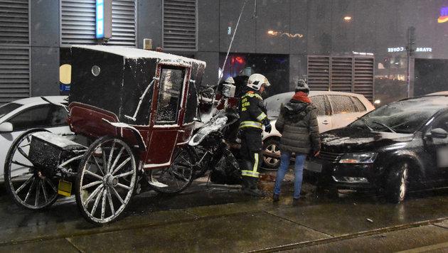 Fiakergespann rammt Auto: Kutscher schwer verletzt (Bild: APA/MA 68 LICHTBILDSTELLE)