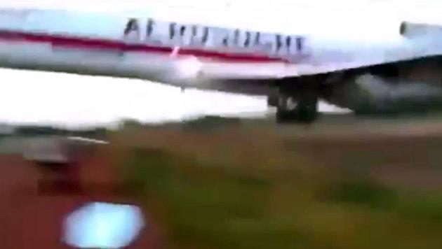 Video zeigt Flugzeugabsturz in Kolumbien (Bild: YouTube.com)