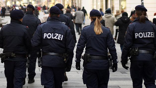 Zu wenig Polizisten: Acht Bundesländer hinter Soll (Bild: APA/Helmut Fohringer)