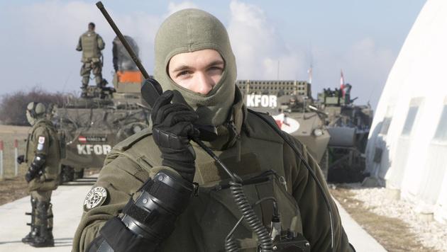 Die Präsenz der KFOR gilt auch als sichtbare Terror-Prävention. (Bild: Christoph Matzl)