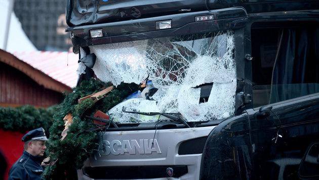 Lkw-Bremssystem verhinderte noch mehr Tote (Bild: APA/ZB/Britta Pedersen)