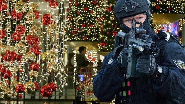 Anschlag auf deutsches Shoppingcenter vereitelt (Bild: APA/dpa/Bernd von Jutrczenka, dpa/Roland Weihrauch)