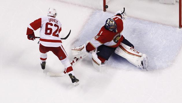 Vanek schießt Detroit im Penaltyschießen zum Sieg (Bild: AP)