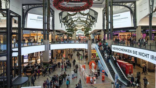 Das Einkaufszentrum Centro in Oberhausen ist eines der größten seiner Art auf dem Kontinent. (Bild: APA/dpa/Bernd Thissen)