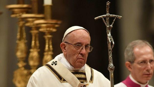 Papst ruft zum Mitgefühl mit leidenden Kindern auf (Bild: AFP)