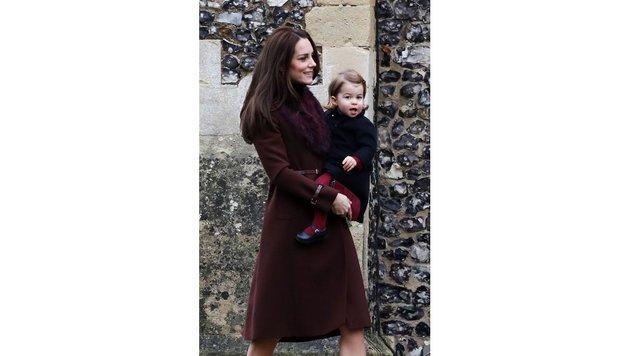Herzogin Kate mit ihrer entzückenden Tochter (Bild: ASSOCIATED PRESS)
