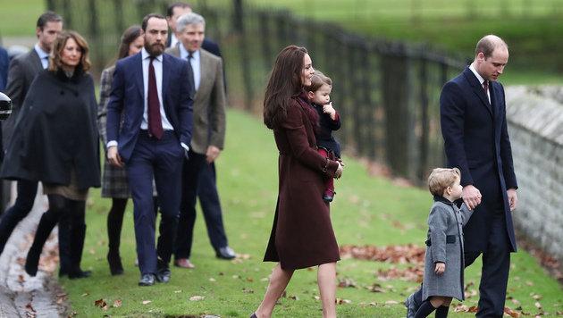 Kate und William mit Mitgliedern von Kates Familie nach dem Gottesdienst (Bild: ASSOCIATED PRESS)