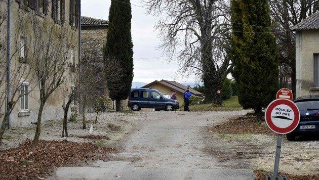 In Montvendre in Frankreich wurden drei Menschen ermordet. Verdächtig ist ein 23-Jähriger. (Bild: APA/AFP/JEAN-PHILIPPE KSIAZEK)