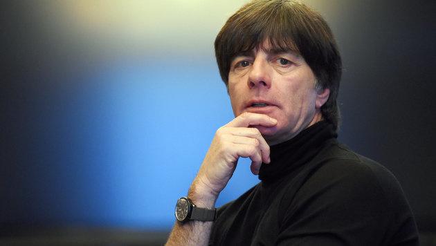 Löw warnt FIFA und UEFA vor Größenwahn (Bild: APA/dpa/Maurizio Gambarini)
