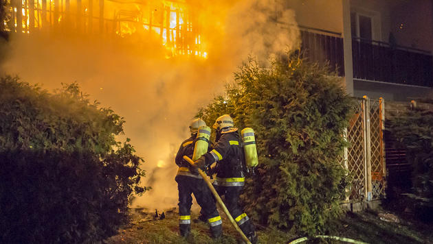Mehrere Brände hielten Feuerwehren auf Trab (Bild: FF Krems/M. Wimmer/http://www.feuerwehr-krems.at)