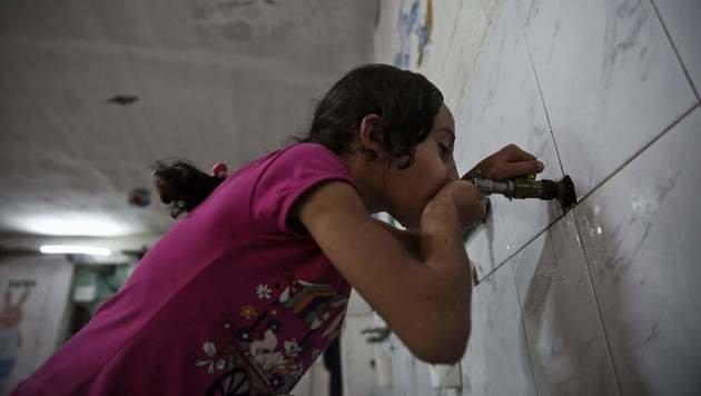 Trinkwasserquellen in und um Damaskus vergiftet (Bild: APA/AFP/SAMEER AL-DOUMY)