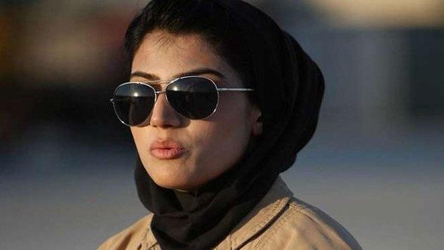 Afghanistans erste Kampfpilotin bittet um US-Asyl (Bild: Twitter.com)