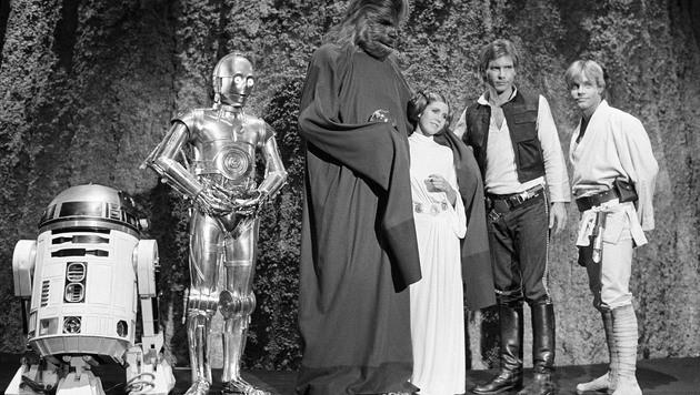 """Eine Aufnahme der """"Star Wars""""-Helden aus dem trashigen TV-Weihnachtsspecial """"The Star Wars Holiday"""" (Bild: AP)"""