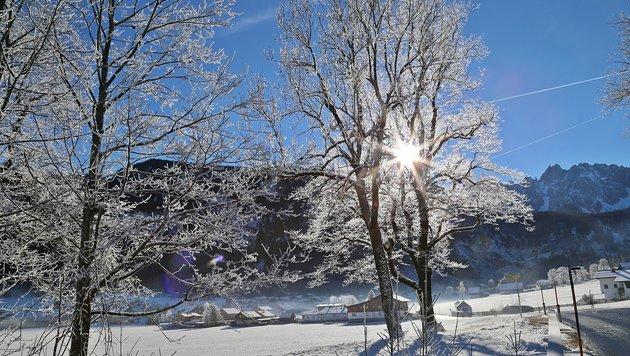 Der Frost verwandelte Gosau in einen echten Wintertraum. (Bild: Marion Hörmandinger)