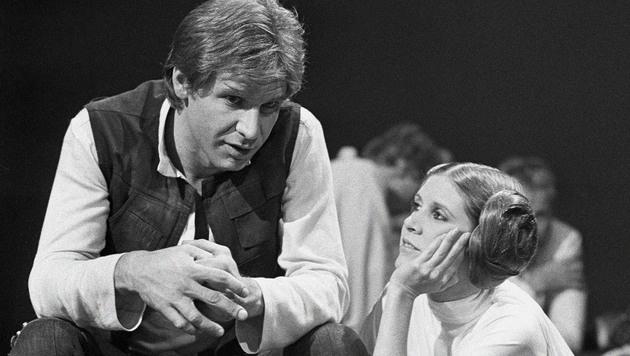 """Zwischen Harrison Ford und Carrie Fisher funkte es beim """"Star Wars""""-Dreh nicht nur vor der Kamera. (Bild: AP)"""