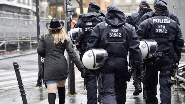 Wie Silvester in Köln die Stimmung drehte (Bild: AP)