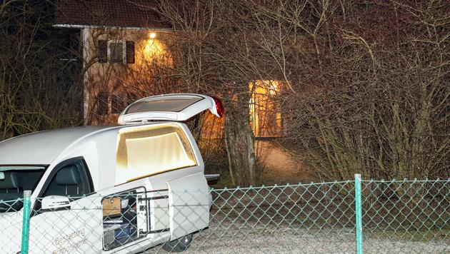 43-jähriger Salzburger erschießt eigene Mutter (Bild: APA/FRANZ NEUMAYR)