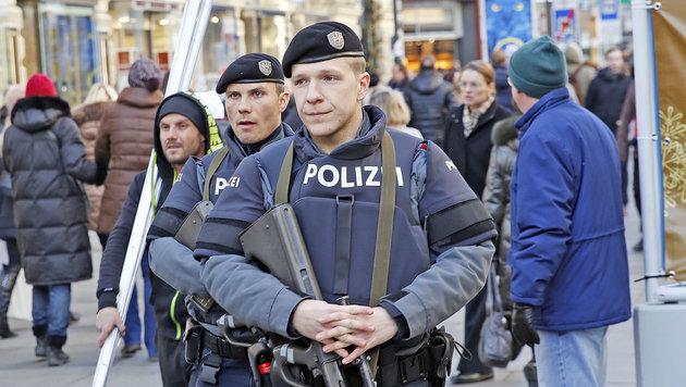 7000 Polizisten stehen zu Silvester im Einsatz (Bild: Martin A. Jöchl)