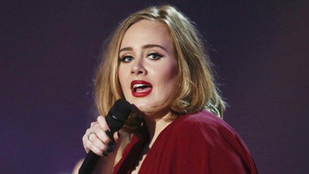 Hat Adele heimlich geheiratet? (Bild: ASSOCIATED PRESS)