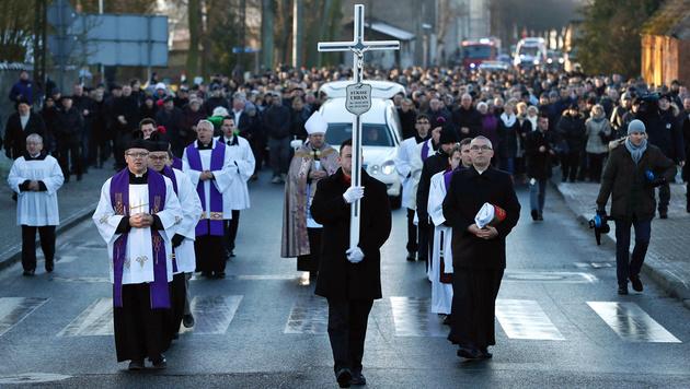 Polen nahm Abschied von Terror-Opfer Lukasz Urban (Bild: APA/AFP/ODD ANDERSEN)