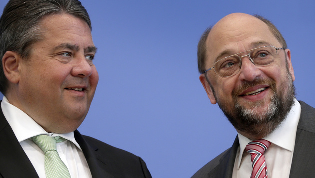 Sigmar Gabriel (links) und Martin Schulz (Bild: Associated Press)