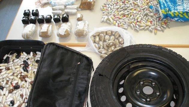 Polizei zerschlägt Drogenring: 50 Festnahmen (Bild: APA/LPD-WIEN)