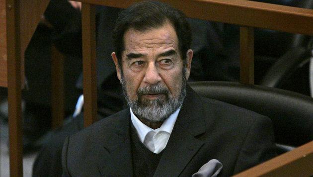 Irak: Vor zehn Jahren wurde Saddam Hussein gehängt (Bild: APA/AFP/POOL/CHRIS HONDROS)