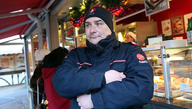 Nikolaus Kellner ist Security am Wiener Rochusmarkt. (Bild: Peter Tomschi)