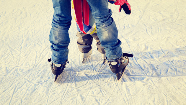 Opa und Enkel (3) beim Eislaufen eingebrochen (Bild: thinkstockphotos.de)
