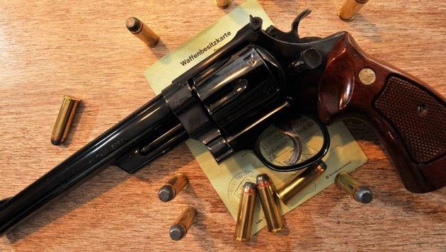 Beim Verkauf von Faustfeuerwaffen (Pistolen und Revolver) gab es im Vorjahr ein erhebliches Plus. (Bild: dpa)