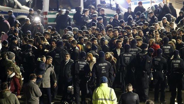 Polizei verhinderte neue Silvester-Katastrophe (Bild: EPA)