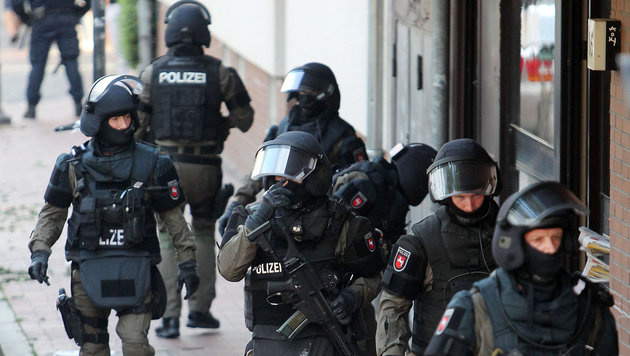 Berlin: Wohnungen von Amri-Komplizen durchsucht (Bild: APA/dpa/Chris Gossmann)