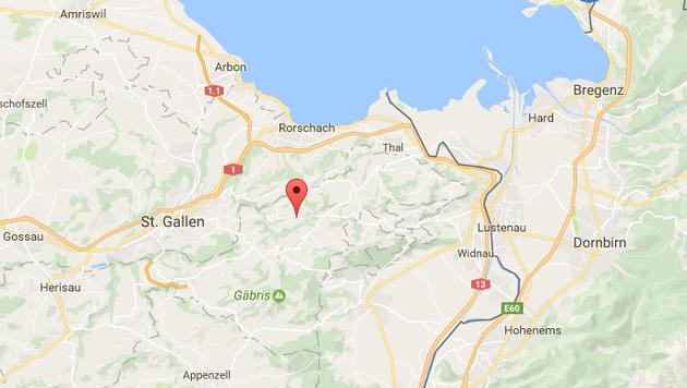 Der Täter wurde im schweizerisch-österreichischen Grenzgebiet lokalisiert. (Bild: Google Maps)