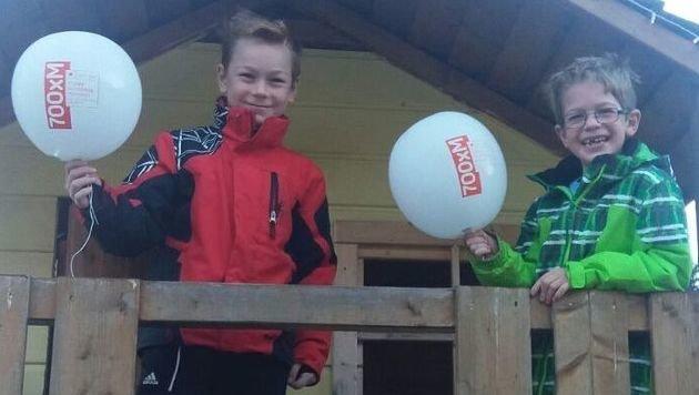 Die Brüder entdeckten die Ballone am Himmel. (Bild: Oraze)
