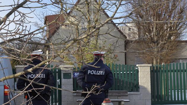 In diesem Haus in Perchtoldsdorf wurden die zwei Leichen gefunden. (Bild: APA/HANS PUNZ)