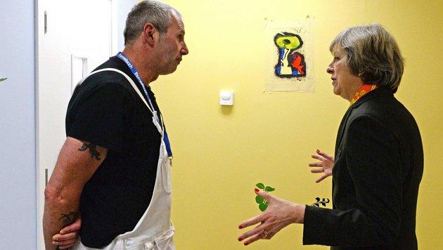 Großbritanniens Premierministerin Theresa May plant Maßnahmen gegen die wachsende Ungleichheit. (Bild: AFP)