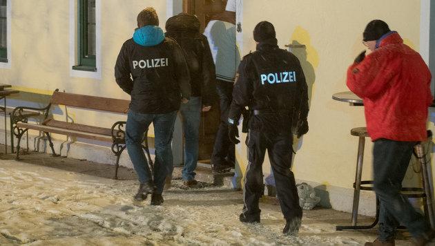 Obduktion bestätigt: Mord und Selbstmord in OÖ (Bild: APA/FOTOKERSCHI.AT/WERNER KERSCHBAUMMAYR)