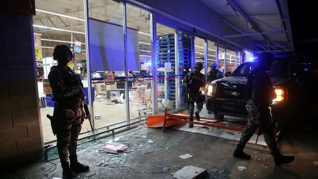 Hunderte Plünderer wurden vorübergehend festgenommen. (Bild: APA/AFP/ILSE HUESCA)