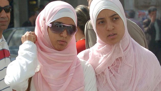 Integrationsexperte für Kopftuchverbot bei Beamten (Bild: FETHI BELAID/AFP/picturedesk.com)