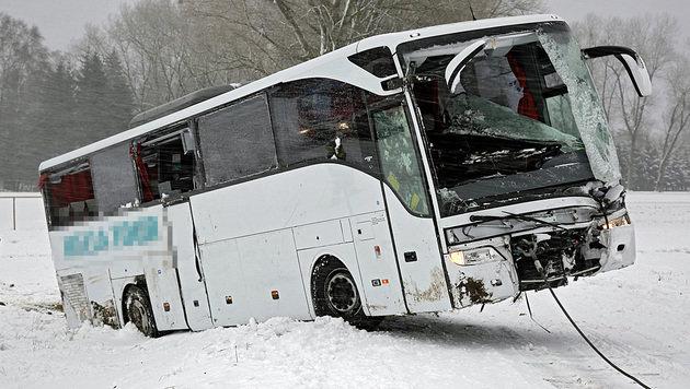 """""""Sanitäter"""" mischte sich bei Unfall unter Helfer (Bild: Manfred Fesl)"""