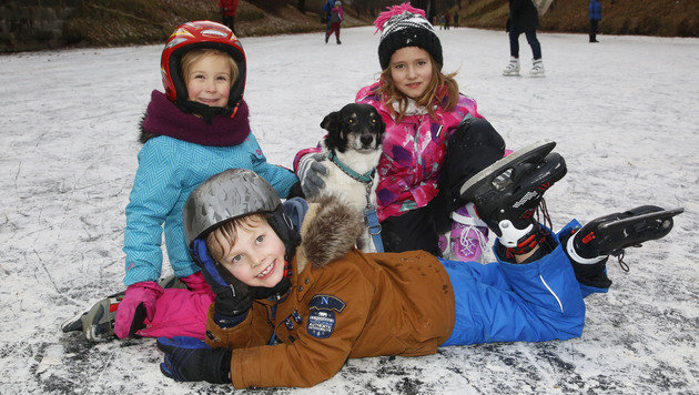 In Kärnten freuen sich die Kinder über zugefrorene Seen und Flüsse. (Bild: Uta Rojsek-Wiedergut)