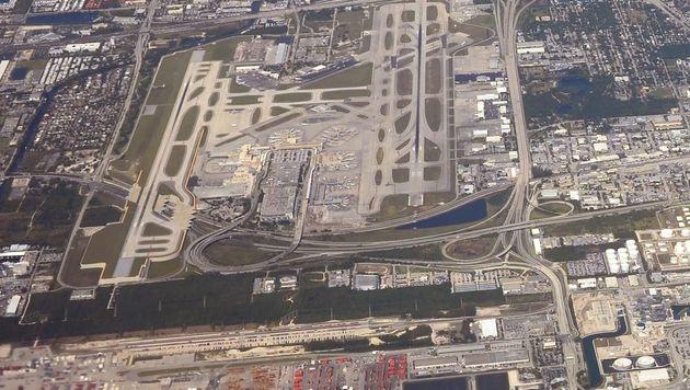 Luftaufnahme des Flughafens von Fort Lauderdale (Bild: APA/AFP/DANIEL SLIM)