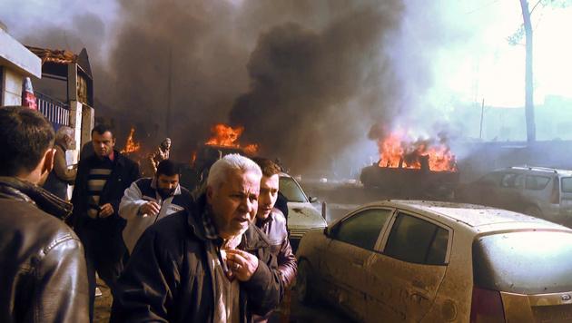 Tank-Lkw mit Bombe in Menschenmenge gerast (Bild: APA/AFP/AFPTV/STRINGER)