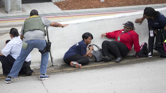 "Ermittler: ""Täter meint, IS zwingt ihn zum Kampf"" (Bild: AP)"