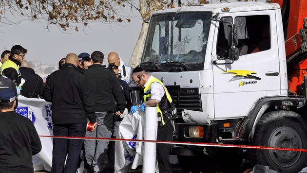 Palästinenser-Gruppe bekannte sich zu Lkw-Anschlag (Bild: APA/AFP/MENAHEM KAHANA)